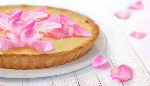 Crostata alla Crema con Petali di Rose